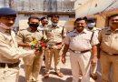 पुलिस के जज़्बे को सलाम  साधन ना मिलने पर भी 450 किलोमीटर पैदल चल थाने पहुँचा पुलिसकर्मी