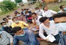 सिवनी मालवा हिरणखेड़ा के लोगों ने बिजली की समस्या को लेकर बिजली विभाग पर किया घेराव