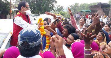 झिरन्या से भीकनगॉव तक जनदर्शन में जो प्यार मिला वह अद्भुत है – मुख्यमंत्री श्री चौहान